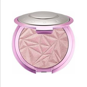 BECCA Highlighter shade lilac geode